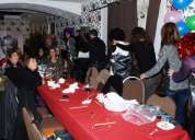 Cena privada con final feliz. copas, karaoke y baile. barcelona